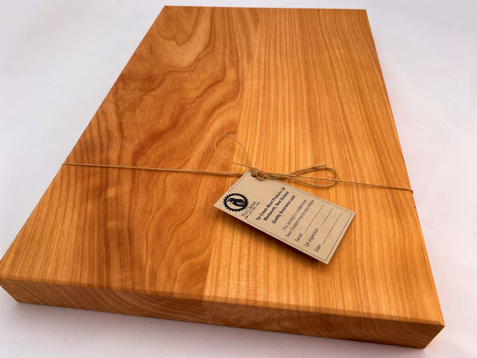 MACROCARPA BREAD BOARD: Large