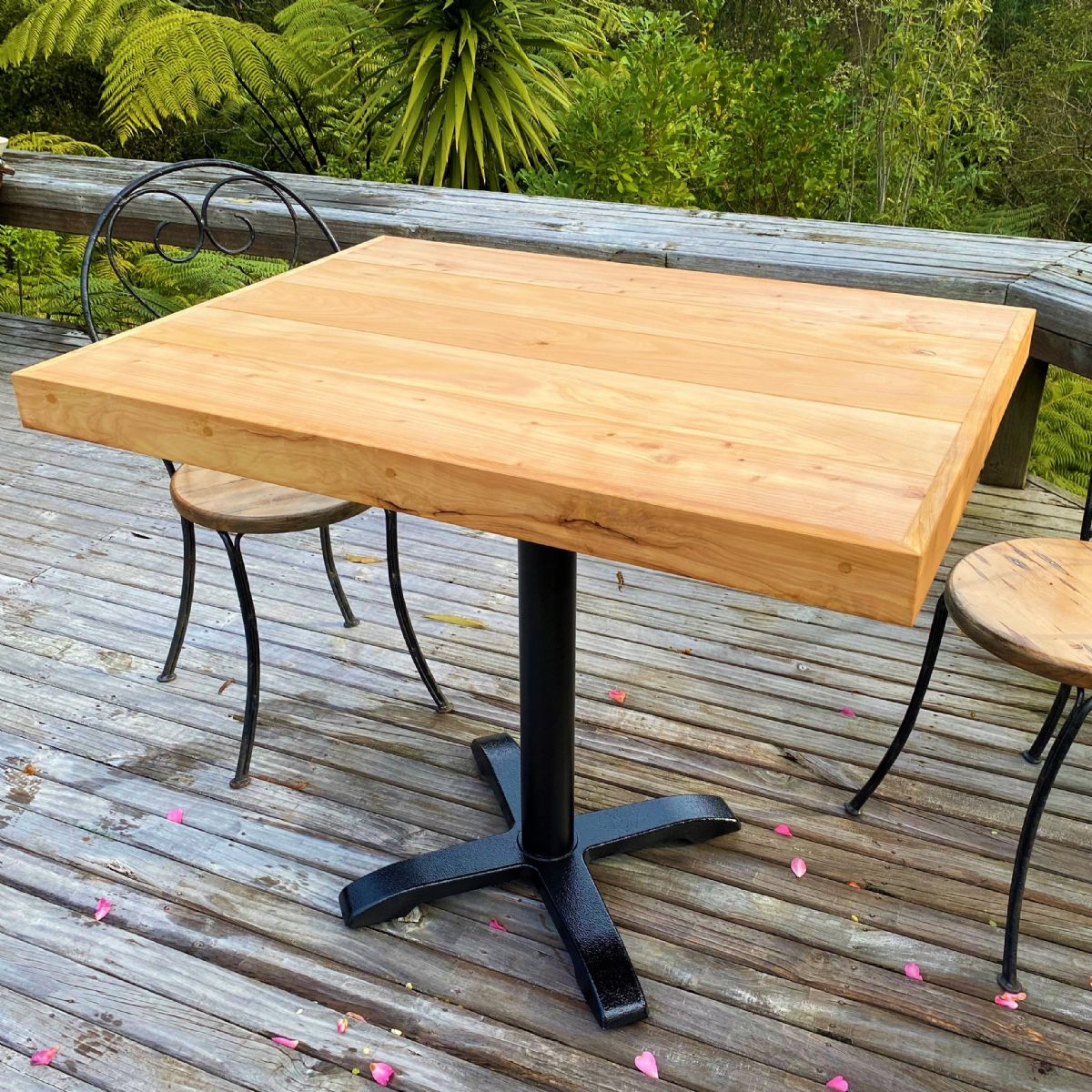 MACROCARPA CAFE TABLE: Pedestal Leg