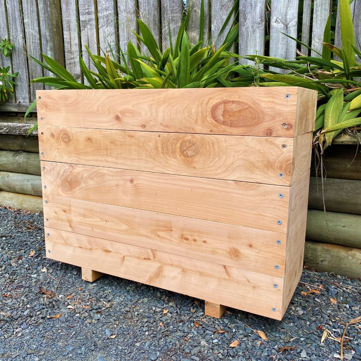 MACROCARPA PATIO PLANTER BOX: 375x750x1.0M