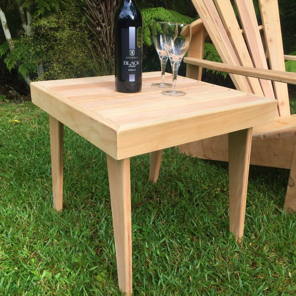MACROCARPA OUTDOOR SIDE TABLE: Small