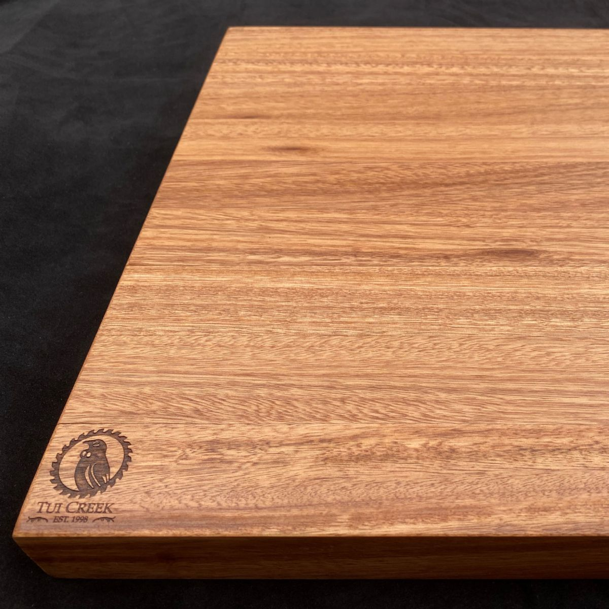 EUCALYPTUS FASTIGATA CHOPPING BOARD: Large